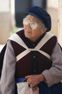 Old woman - Lijiang