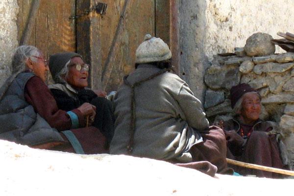 Tibetan women - Lamayuru - Ladakh