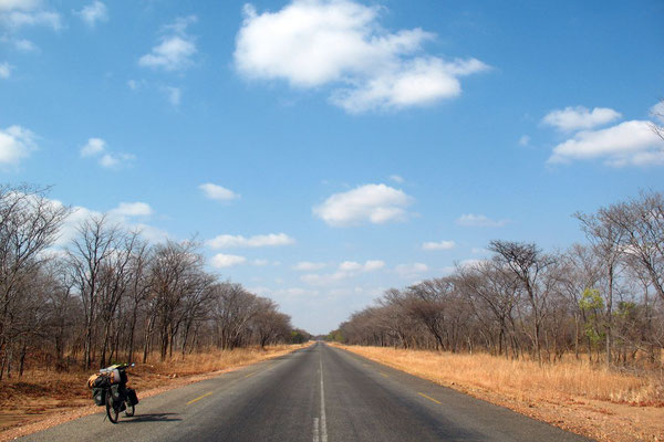 Cycling Highway 5 - South of Kadoma