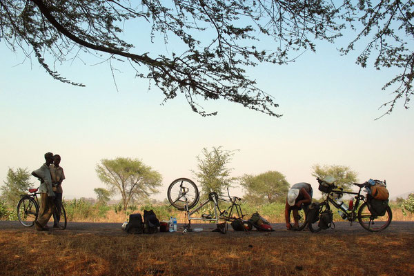 Puncture stop - South of Karonga