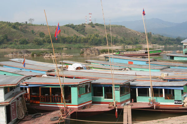 Crossing Mekong River - Huay Xai