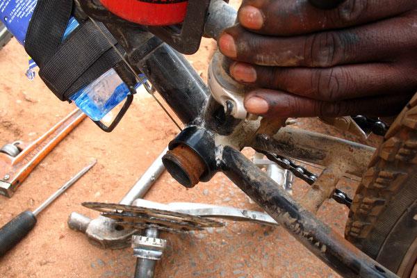 Broken crank in Jinja - Lake Victoria