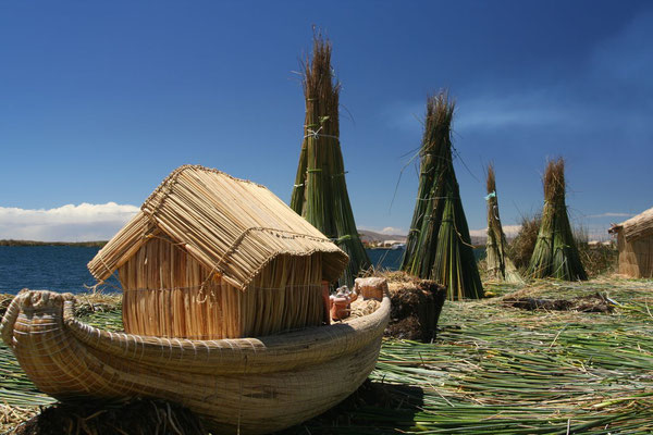 Uros Islands - Lago Titicaca