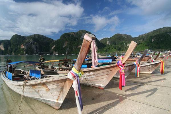 Fishing boats - Ko Phi Phi Don Island - Southwestern Thailand
