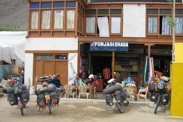Roadside stop - Manali-Leh-Highway - Ladakh