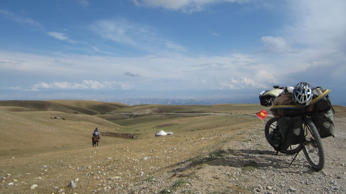 Pass west of Al-Tal 2,750 m - Kyrgyzstan