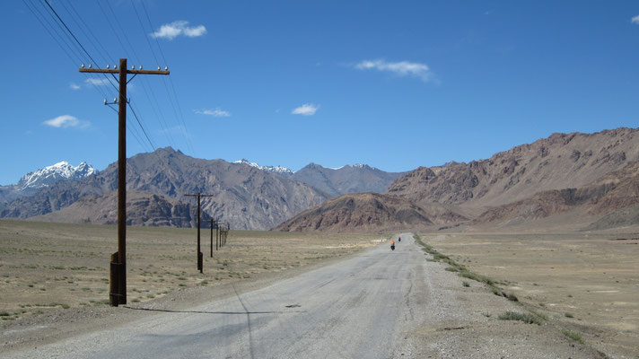 Pamir Highway south of Murgab - Tajikistan