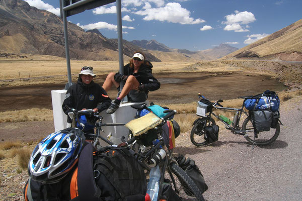 Coming across Dirk and Petra - South of Cuzco