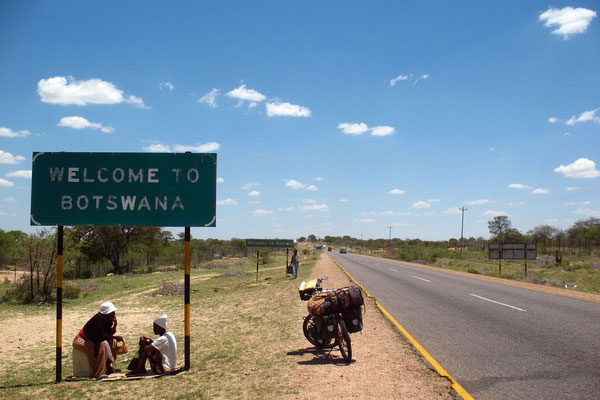 Entering Botswana - North of Francistown - Eastern Botswana