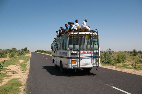 Bus travellers at Great Thar Desert - Rajasthan