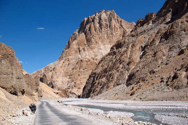 Gorges of Pang - Manali-Leh-Highway - Jammu and Kashmir