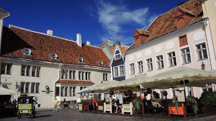 Raekoja plats - Tallinn Old Town - Estonia