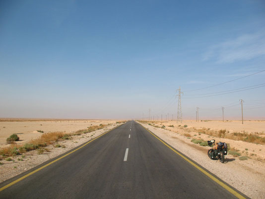 Cycling the Syrian desert - Syria