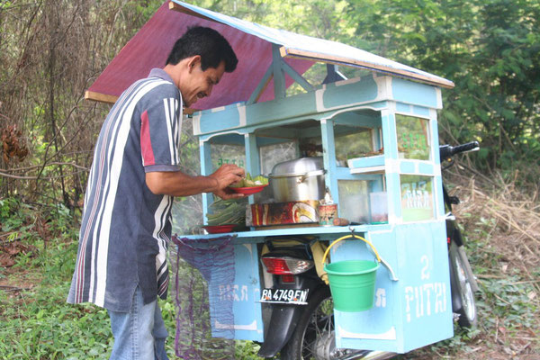 Food vendor at Trans Sumatra Highway - Central Sumatra