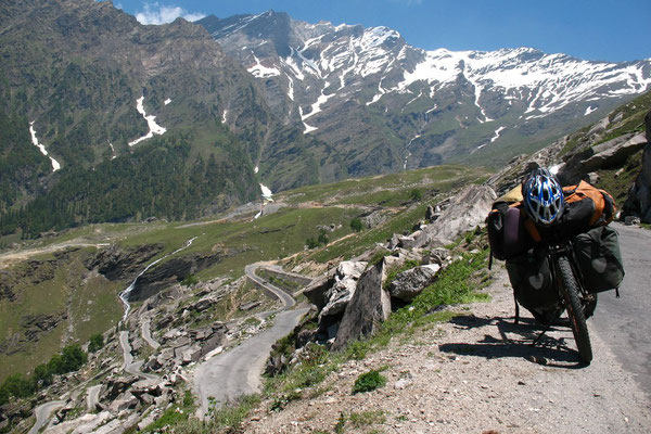 Approaching Rohtang La Pass - Manali-Leh-Highway - Himachal Pradesh