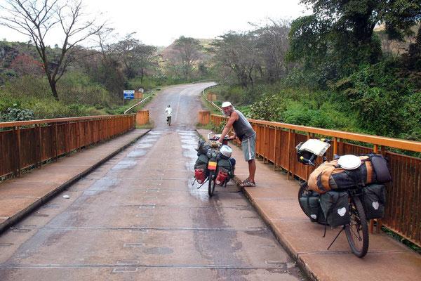 Crossing the border to Tanzania - Southeastern Rwanda