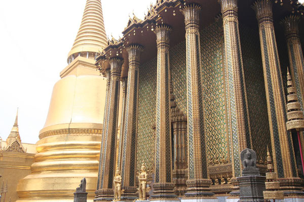 Royal Grand Palace and Wat Phra Kaeo - Bangkok