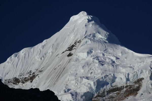 Tocclaraju 6,034 m - Cordillera Blanca