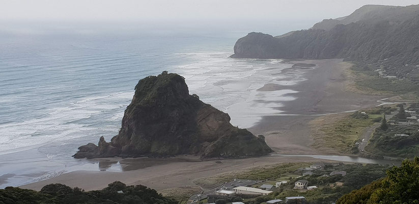 Piha Beach - West Auckland - North Island