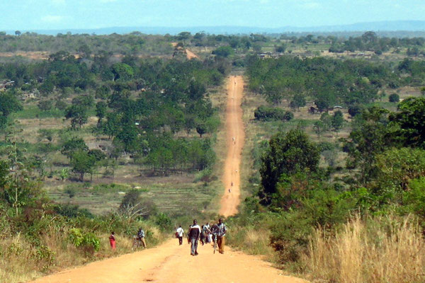 Road near Isambara - Kagera Province