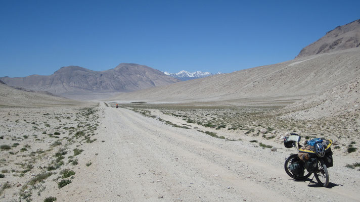 Approaching Pamir Highway - north of Hargus Pass - Tajikistan
