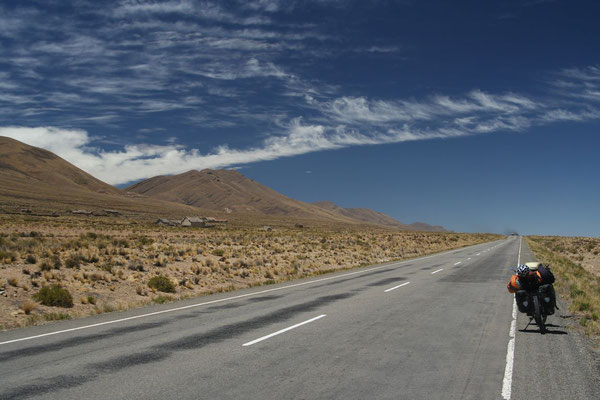 Cycling the Altiplano at 4,100 m - Oruro Province
