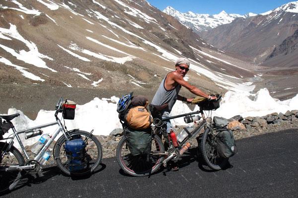 Approaching Baralacha La - Himachal Pradesh