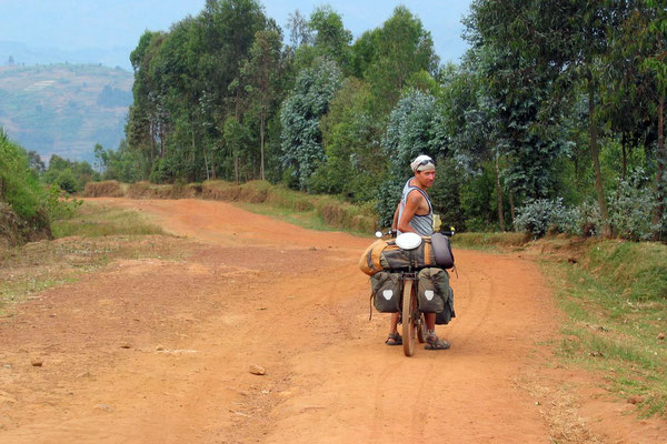 Cycling northern Rwanda - East of Gitare