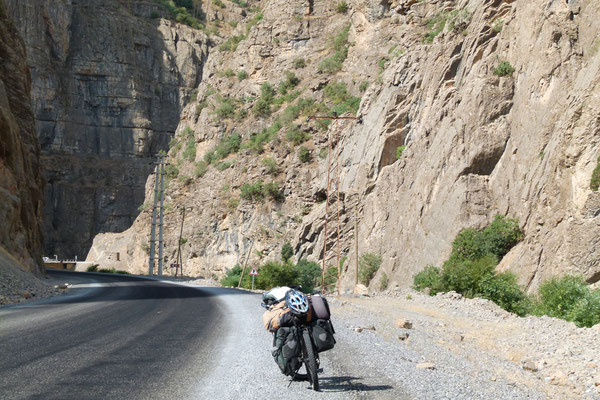 Hakkari Sirnak Road near Iraq border - Turkey