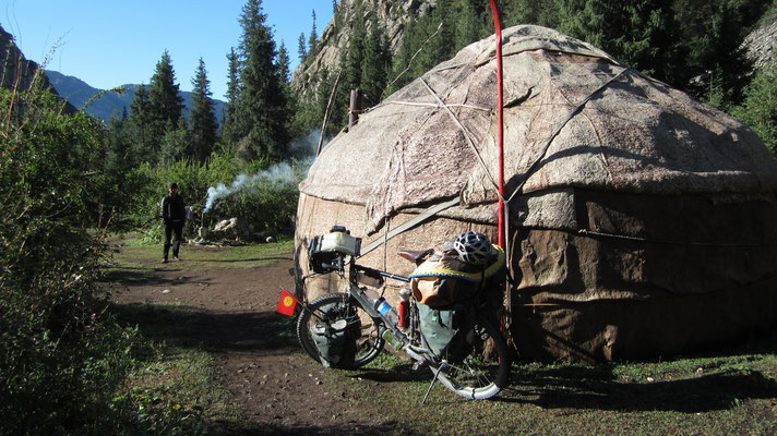 Traditional Yurt-Stay - south of Song-Kul Lake - Kyrgyzstan