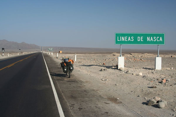 Cycling the Panamerican Highway at the Nazca Lines
