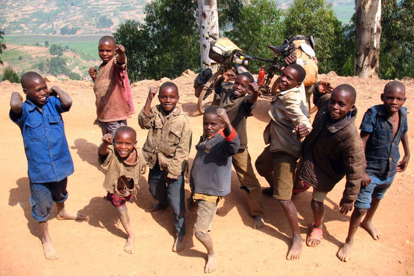 Kids having fun - East of Gitare