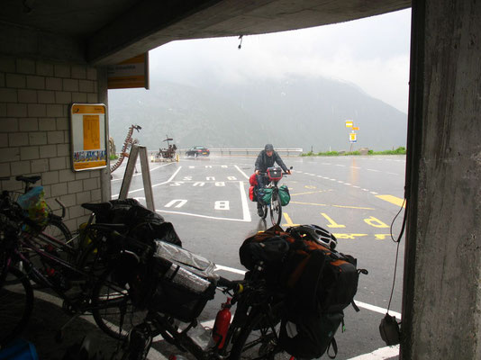 Cycling Grimsel Pass 2,165 m - Bernese Oberland and Wallis - Switzerland