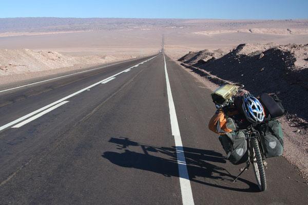 Cycling the Panamericana - Atacama Desert - Northern Chile
