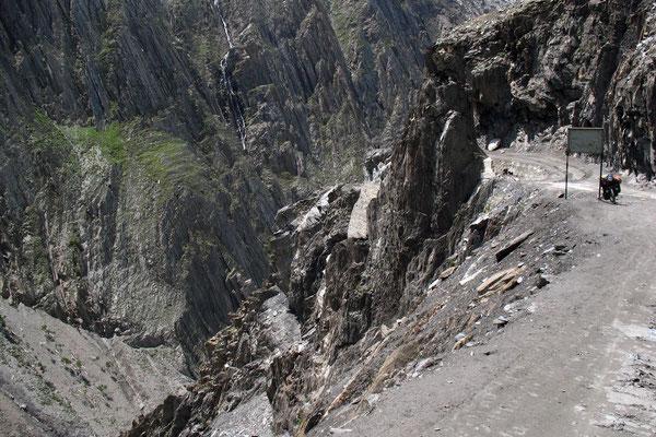 Descending Zoji La - Kashmir