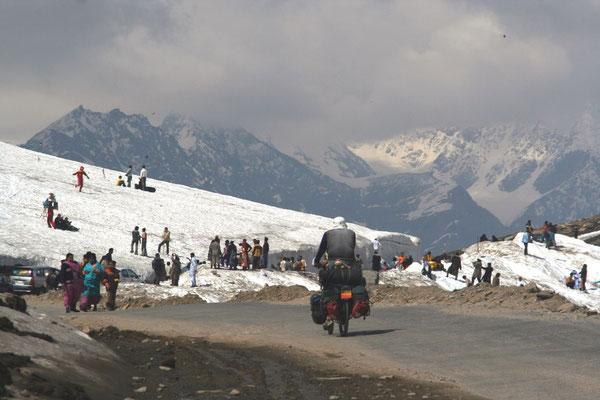 Rohtang La - 3,975 m - Manali-Leh-Highway - Himachal Pradesh
