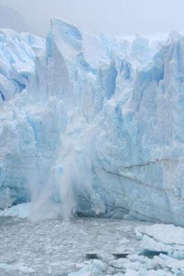 Calving icebergs - Perito Moreno Glacier
