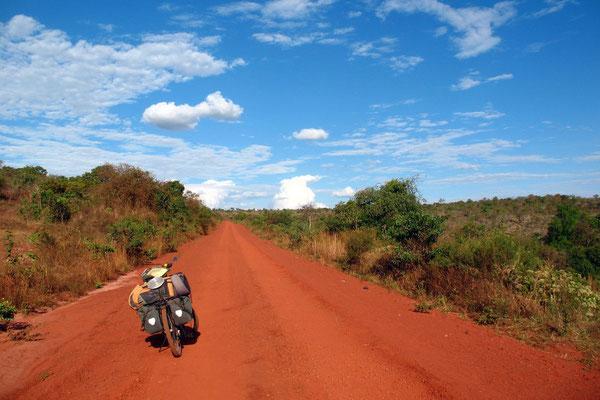 Road near Missenyi - Kagera Province - Northwestern Tanzania