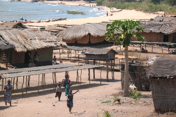 Roadside village at Lake Malawi - South of Karonga
