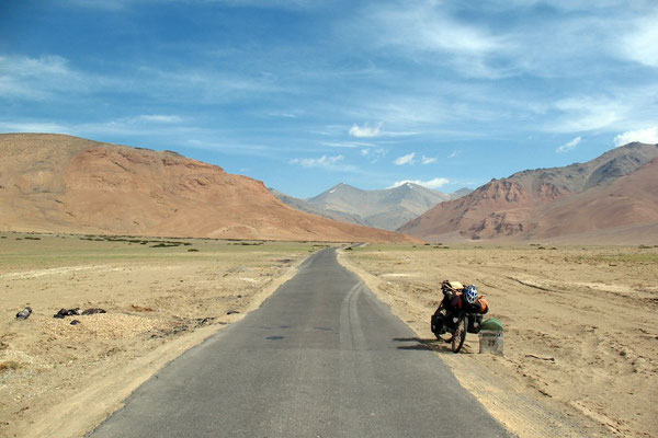 Morey Plains - Approaching Taglang La Pass - Ladakh