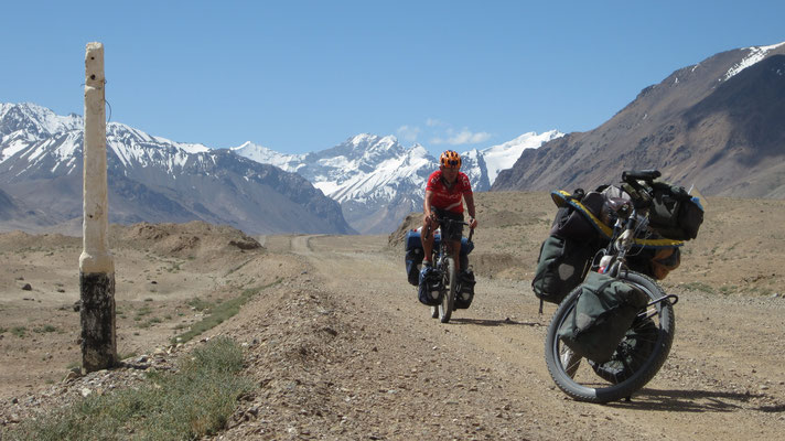 Victor cycling Pamir Highway - Tajikistan