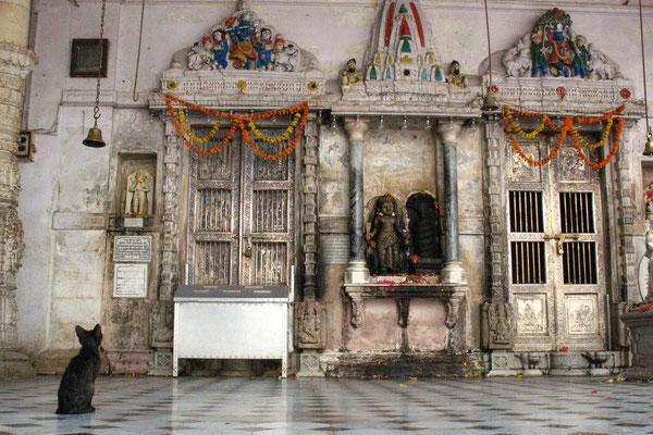 Babulnath Mandir Temple - Mumbai - Maharashtra
