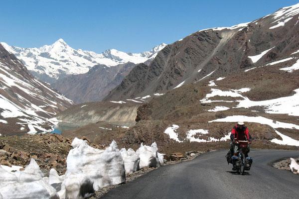 Hugo approaching Baralacha La - Himachal Pradesh