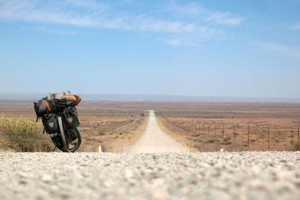 Highway C14 near Maltahöhe - Namib Desert