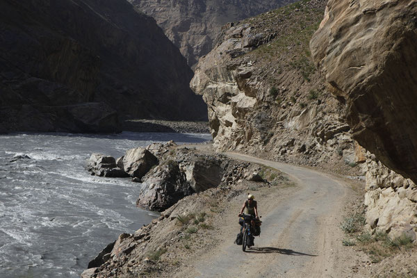 Cycling Wakhan Valley - south of Khorog - Tajikistan