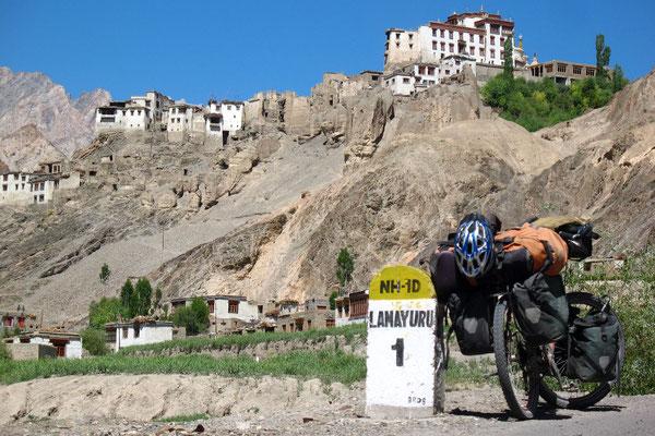 Approaching Lamayuru - Ladakh