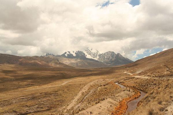 Approaching Huayna Potosi - Cordillera Real - Western Bolivia