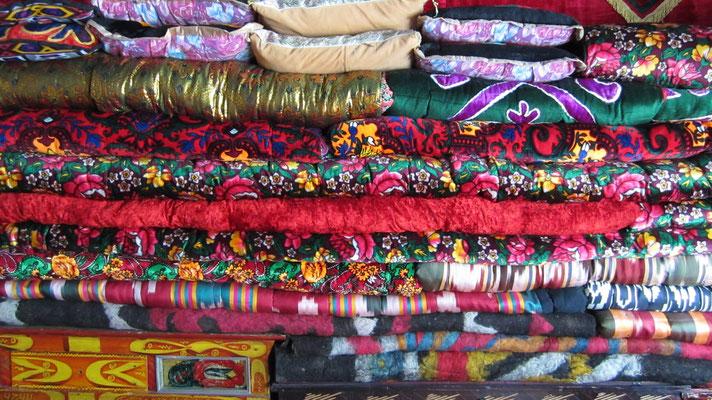 Traditional blankets - Karakul - Tajikistan