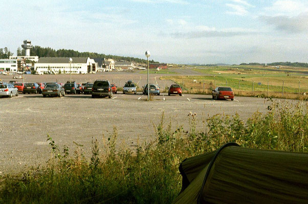 Camp at Oslo-Torp Airport