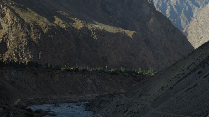 Sunrise at Pamir Highway - south of Deh - Tajikistan